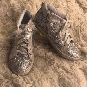 Silver high top sneakers 5 justice glitter holo